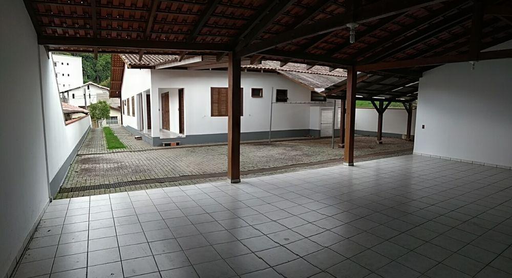 Aluguel de Casa-Residencial em Blumenau
